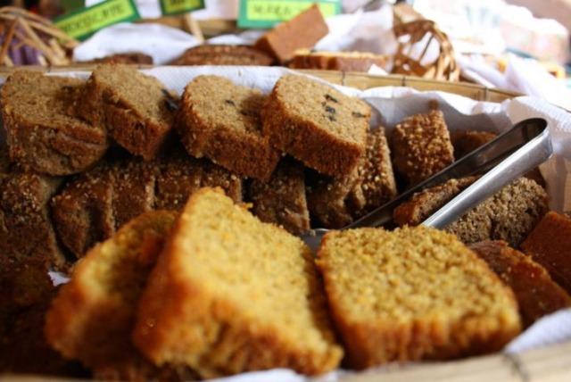 Os bolos e pães são de arrasar (Foto: UOL)